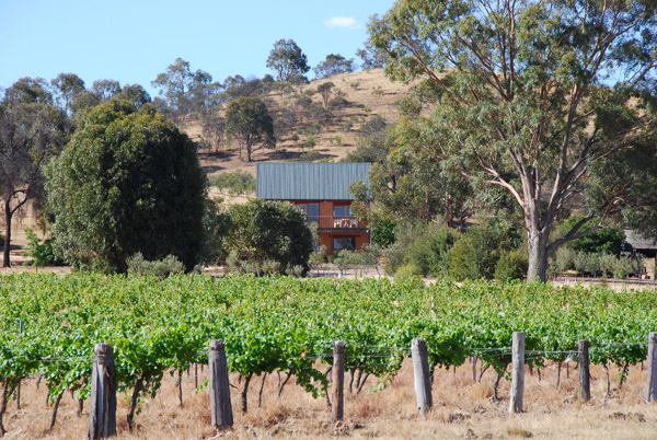 Chestnut Cottage at Redbank Winery